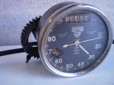 SPEEDOMETER SMITHS CRONOMETRIC  CON REENVIO AÑOS 30 /40 / 50 BSA  / NORTON / ROYAL ENFIELD  / AJS / SCOTT /TRIUMPH