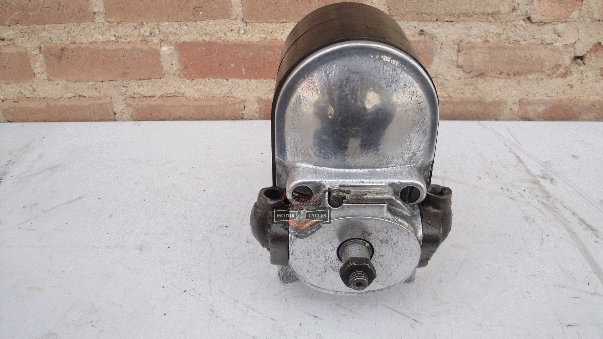 MAGNETO BOSCH ZE2  180°  NORTON /  BROUGH  SUPERIOR / BSA / COVENTRY EAGLE / ZENITH / AJS / ARIEL !